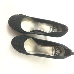 Fergalicious Women's high heels black 7.5